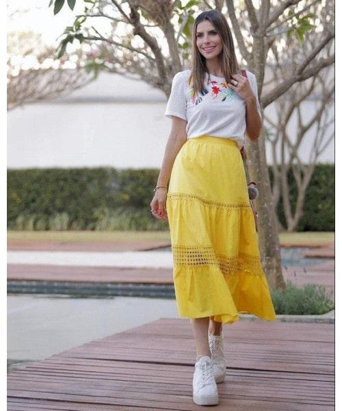 T-Shirt Flores Bordada Luzia Fazzolli